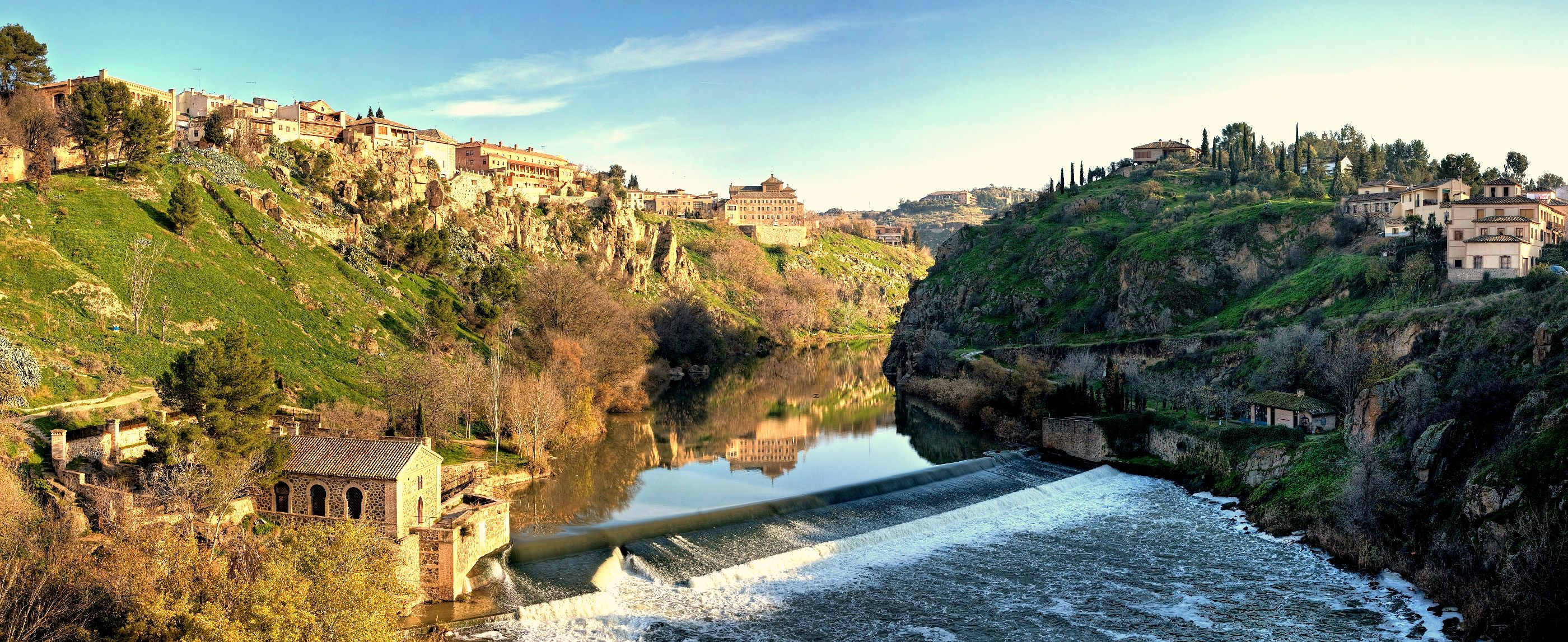 http://robertg69.files.wordpress.com/2008/03/tagus_river_panorama_-_toledo_spain_-_dec_2006.jpg