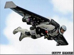 BBC NEWS | UK | Pilot completes jetpack challenge.jpg