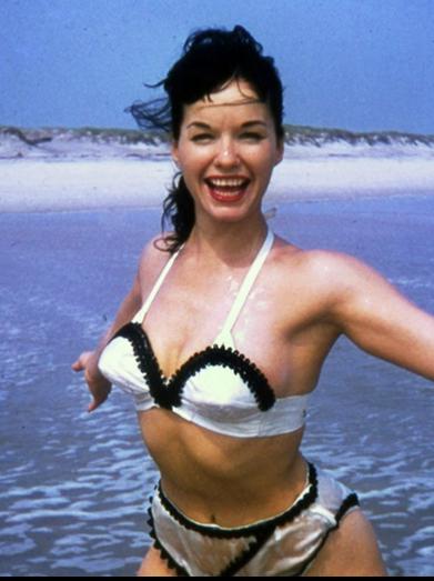 lindsay lohan 2011 bikini. Lindsay Lohan Breaks From